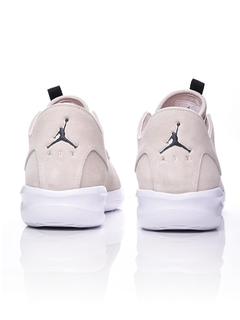 wholesale dealer 5a0af 92f15 Nike Air Jordan First Class